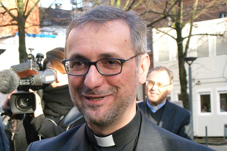 Erzbischof_He_e_Hamburg_2-740x493